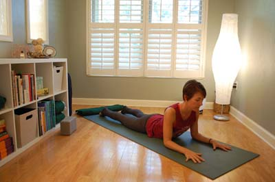 In this sequence, we use yin yoga to open the side body and create the space to welcome new changes in life. With an elongated torso, you can breathe easier, stand taller, and move into the uncertainty of life with confidence and grace.